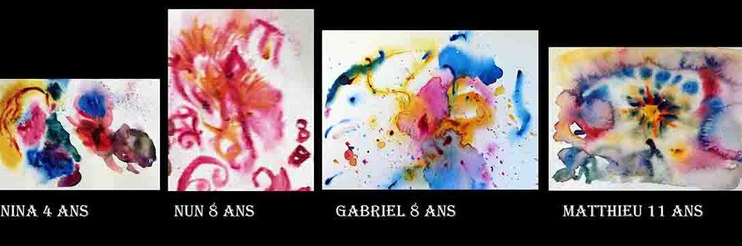 Découverte de l'aquarelle mouillé sur mouillé par des enfants